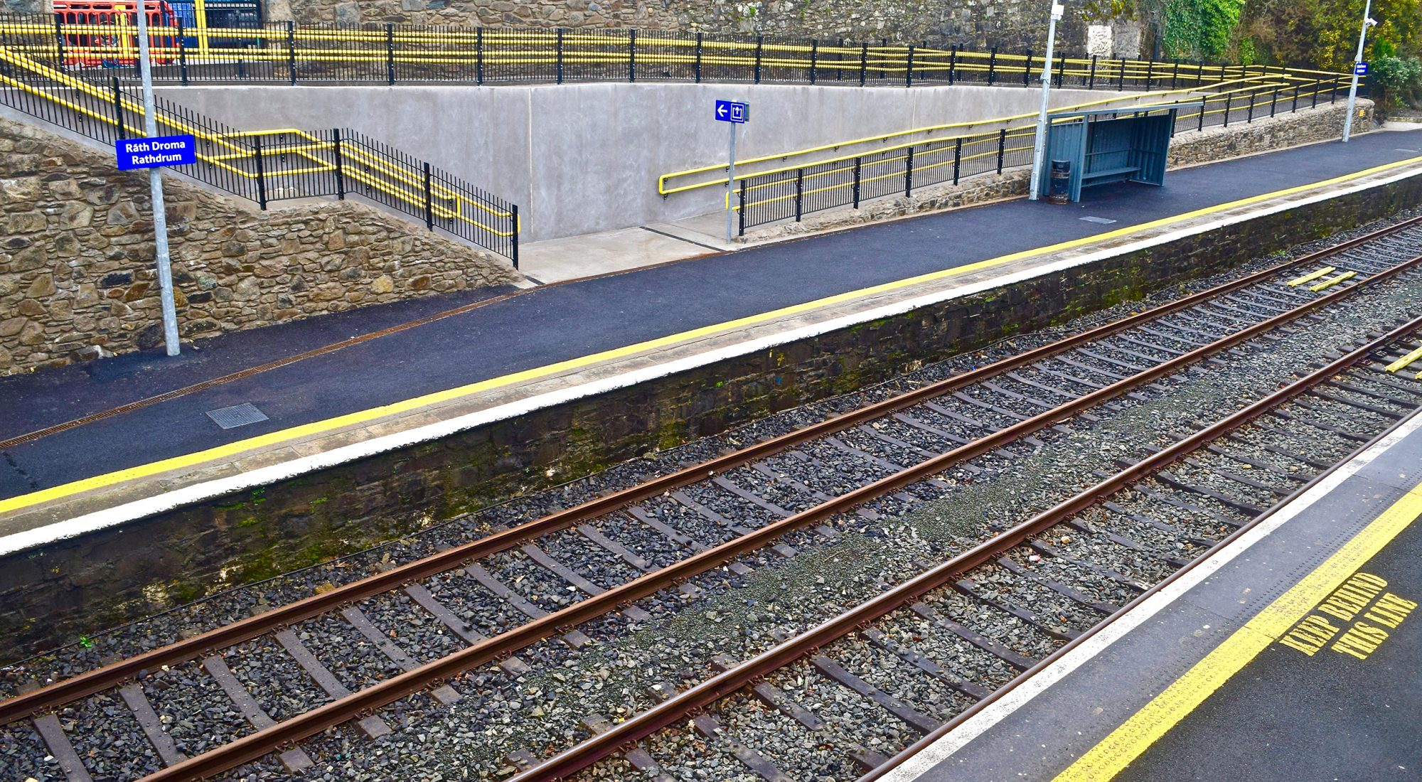 Rathcoole to Clondalkin - 3 ways to travel via bus, taxi, Uber